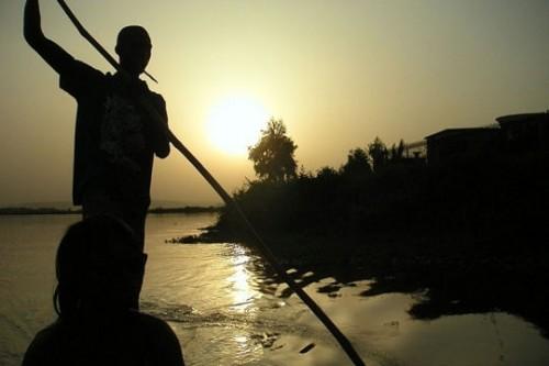 pirogue-fleuve-niger.jpg