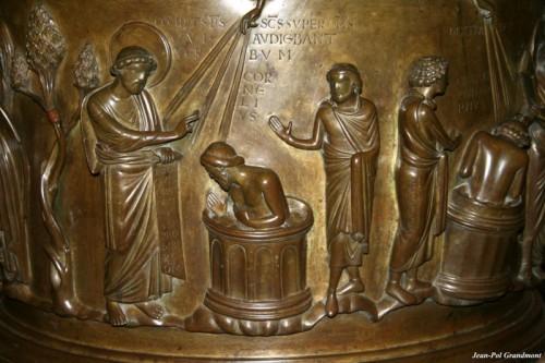 fonts baptisamaux st bathélémy liège 800px-Renier_de_Huy_JPG01.jpg